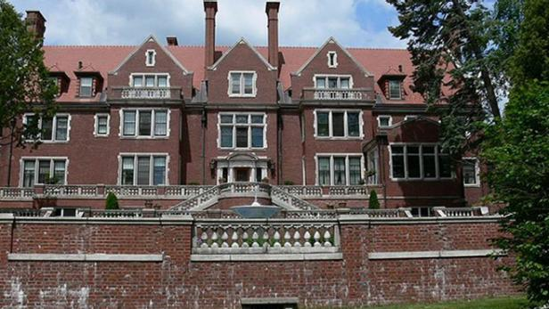 Glensheen Estate [Wikimedia Commons]