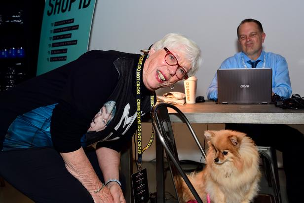 Kathy Kenda with ID fan @ladypomchi and polygraph expert Dan Ribacoff [Investigation Discovery]