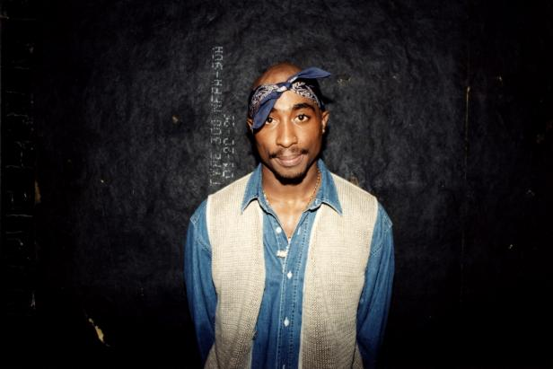 Tupac Shakur backstage at the Regal Theater in Chicago, 1994 [Raymond Boyd/Getty Images]